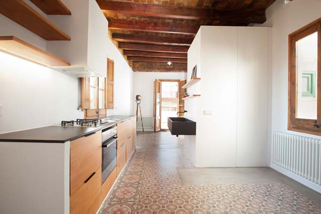 Apartment refurbishment in Barcelona by a53 Architecture