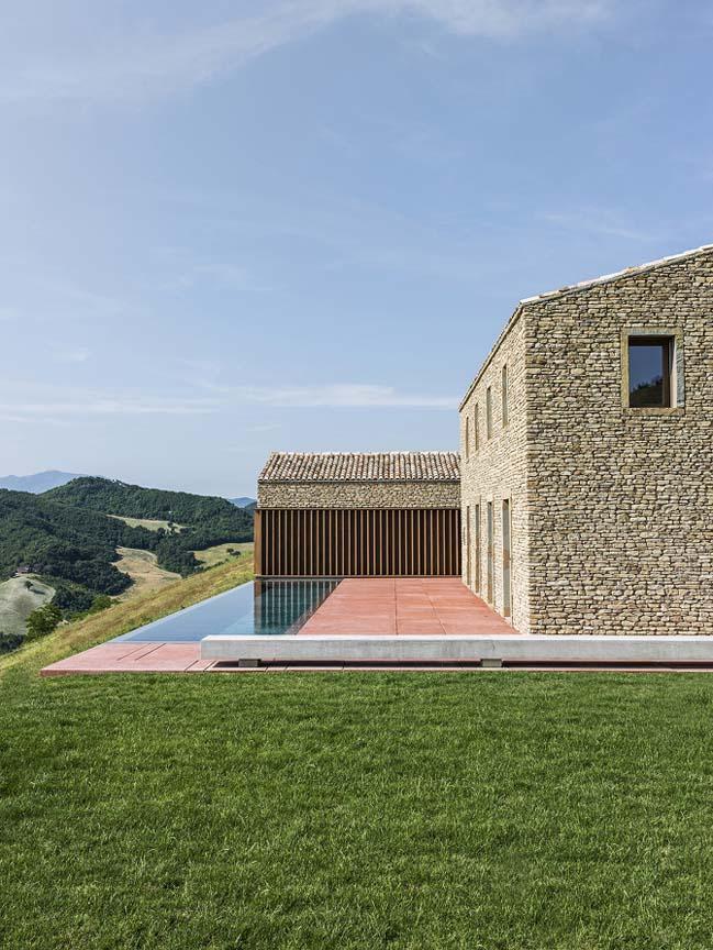 AP House Urbino by GGA Architetti
