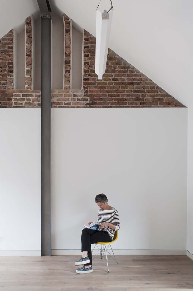 Sanya Polescuk Architects conjured the illusion space in London