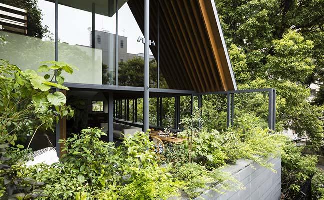 House of Glittering Leaves by Hiroshi Nakamura & NAP