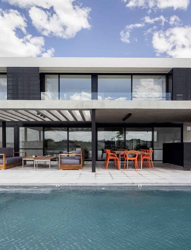 Luxury modern villa in Argentina by GMARQ