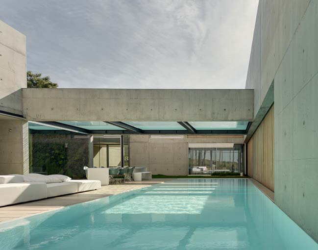 The Wall House by Guedes Cruz Architects
