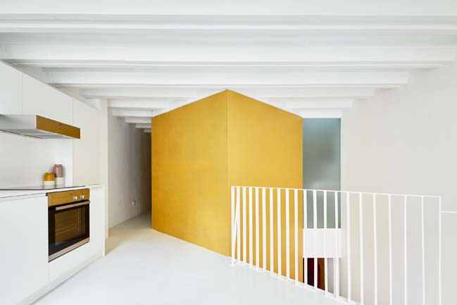Duplex Tibbaut by Raul Sanchez Architects