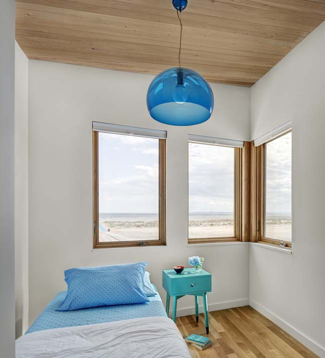 Surfboard House by BFDO Architects