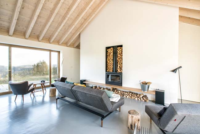 Villa Slow holiday retreat by Laura Alvarez Architecture