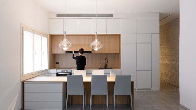 Long and slender by XS Architecture