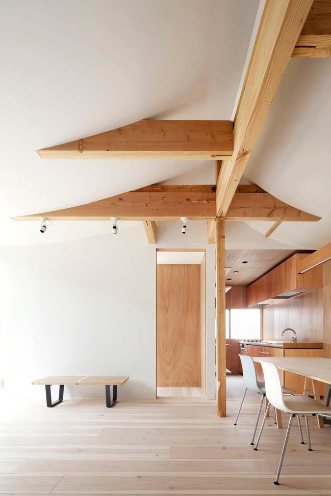 House for Four Generation by Tomomi Kito Architect