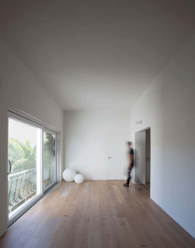 Villa renovation CC by Matteo Foresti
