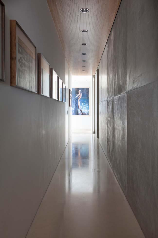 AQH Apartment by Coletivo Arquitetos