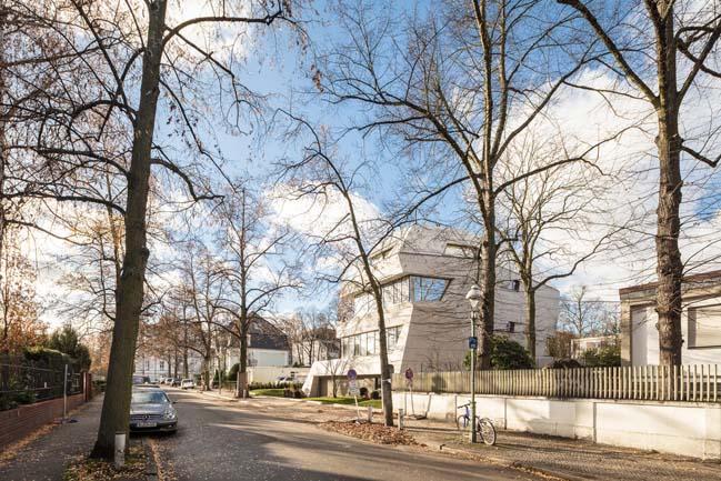 Villa M in Berlin by GRAFT