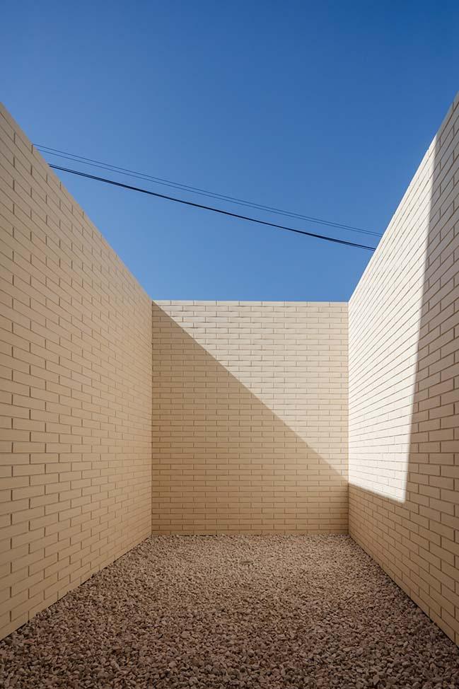 Touguinha House by Raulino Silva Arquitecto