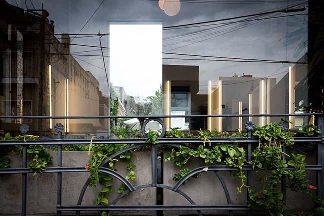 Peluqueria Diego Guerrero by Carol Burton Architecture