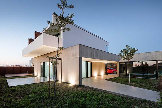 Luxury villa in São João de Ovar by Nelson Resende Arquitecto