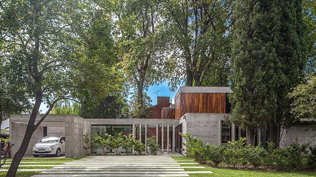 Luxury modern villa in Argentina by Besonias Almeida Arquitectos