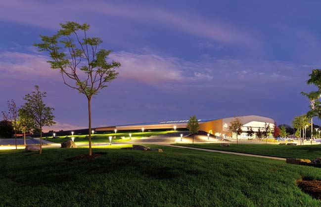 Maryland Heights Community Recreation Center by Cannon Design