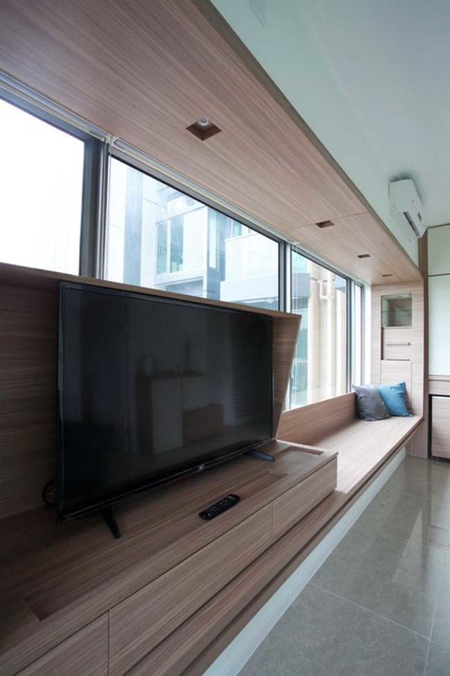 Small apartment in Hong Kong by Sim-Plex