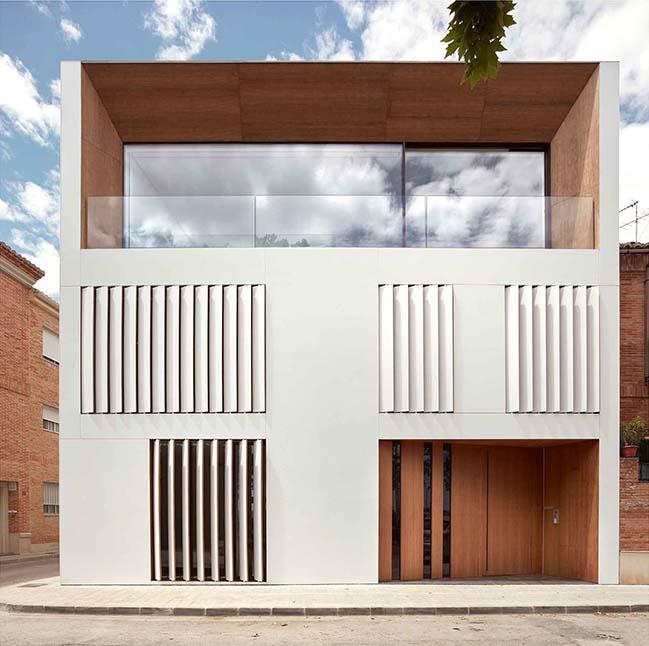 Home in the Orchard by Ramón Esteve Estudio
