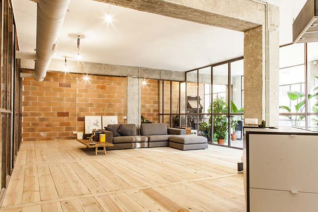 Industrial Loft in Barcelona by Habitan Architecture