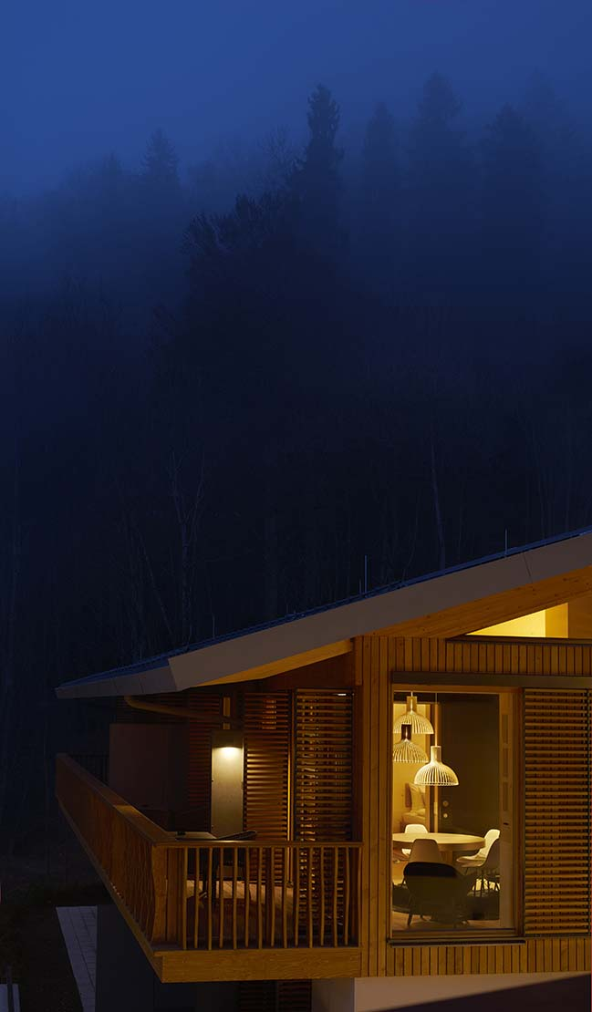 alpine chalets by landau kindelbacher architekten. Black Bedroom Furniture Sets. Home Design Ideas