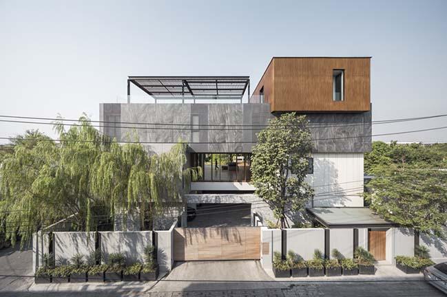 Re-Gen House in Bangkok by EKAR