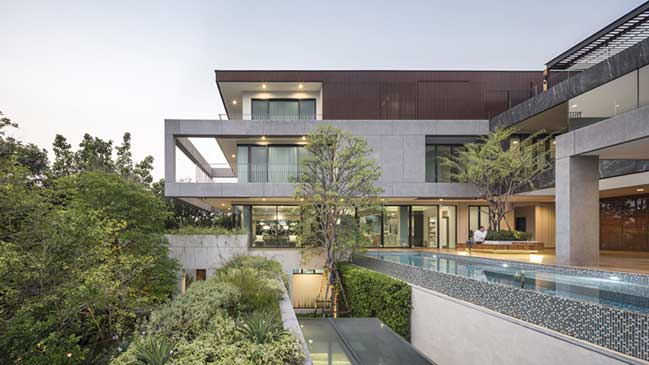 Re-Gen House in Bangkok by EKAR