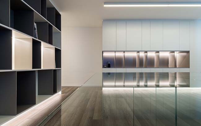 Office glass and wood in Cordoba by Estudio EME