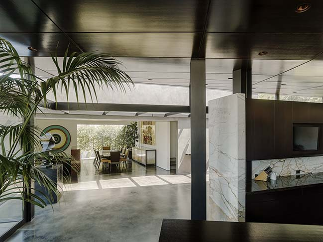 Futuristic House in California by Eric Rosen Architects