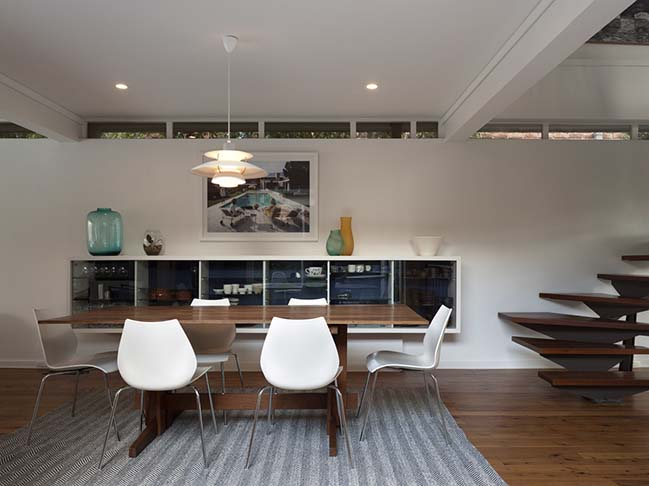 Modernist House in Sydney by Still Space Architecture
