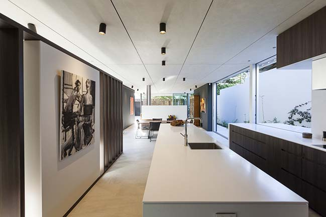 Inside Outside House in Perth by Craig Steere Architects