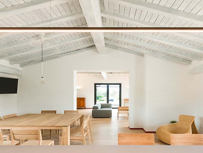 Estate in Etruria: postcard from an interior by NA3 Architetti