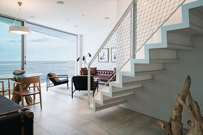 House Noir in Malibu by Lorcan O'Herlihy Architects