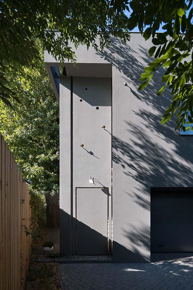 Waterline House in Kharkiv by Ryntovt Design