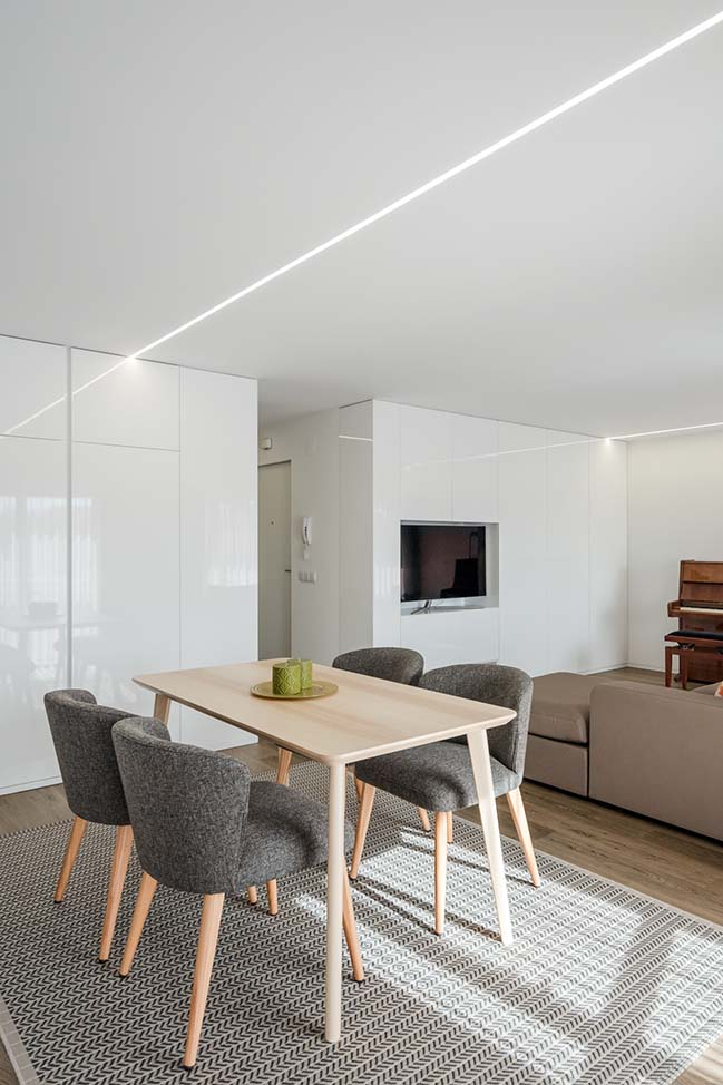 Vila do Conde apartment by Raulino Silva Arquitecto