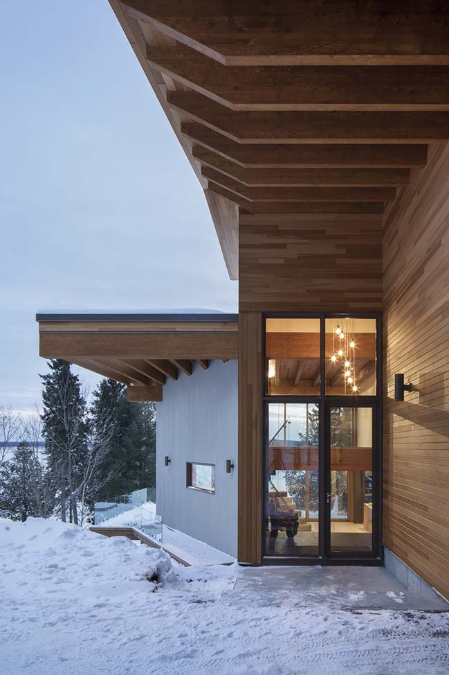 L'Accostée House in Adstock by Bourgeois / Lechasseur architects