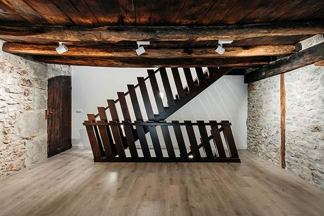 Farmhouse in OMA by BAT Bilbao Architecture Team