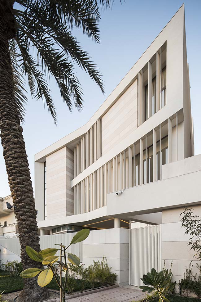 Luxury contemporary villa in Kuwait by Alhumaidhi Architects