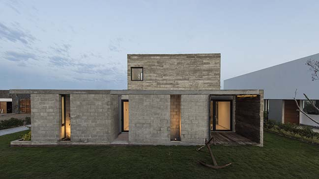 Concrete House in Peru by Riofrio Arquitectos