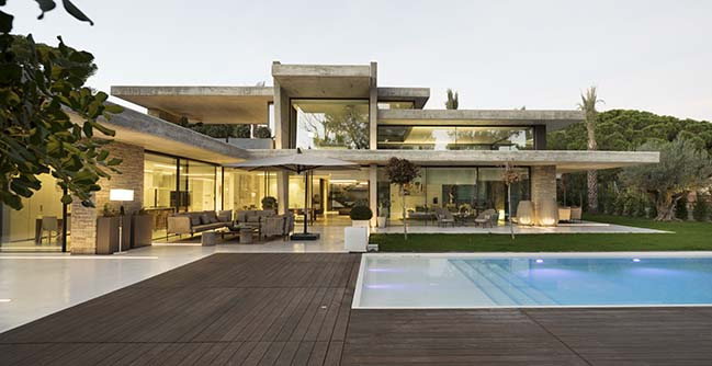 House Miravent by Perretta Arquitectura