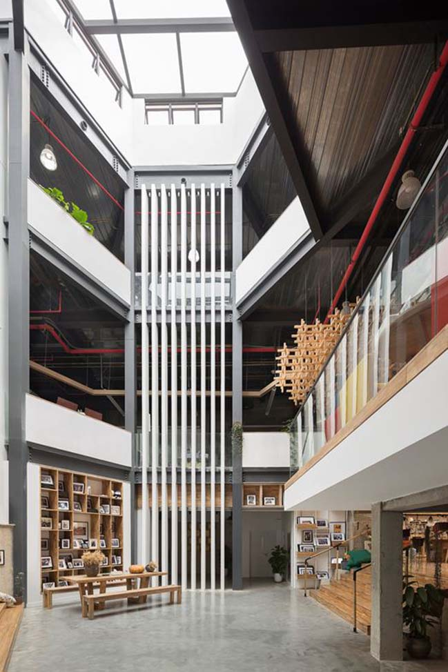 Mafengwo Global Headquarters by SYN Architects