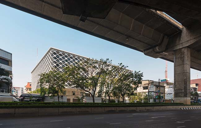 Bangkok Midtown Hotel by Plan Architect