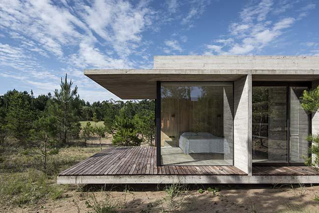 Ecuestre House in Costa Esmeralda by Luciano Kruk