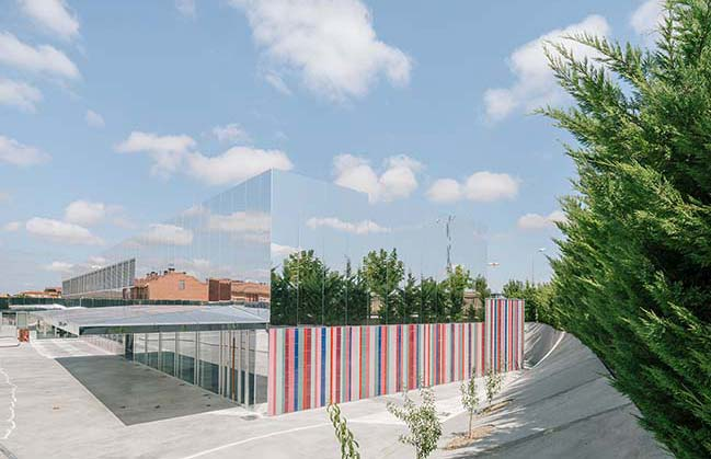The almost invisible school by ABLM arquitectos
