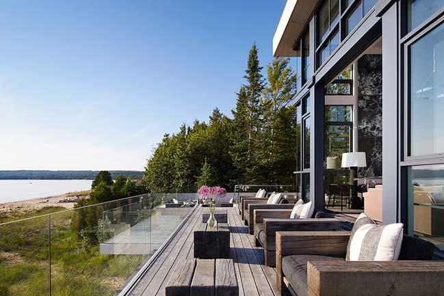 Lake House in Bear Creek Township by von Weise Associates