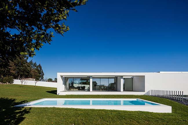 Touguinhó III House by Raulino Silva Arquitecto