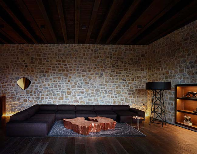 House in Rubielos de Mora by Ramón Esteve Estudio