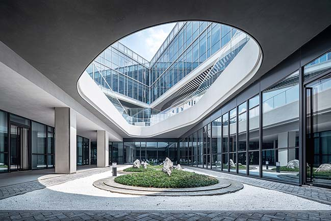 Shanghai Baoye Centre by LYCS Architecture