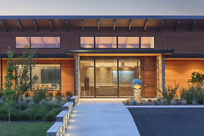 Westwind Residence in Portland by Giulietti / Schouten Architects