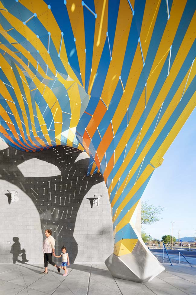 Marquise by MARC FORNES / THEVERYMANY