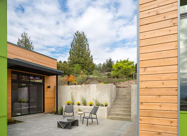 Panavista Hill House by Steelhead Architecture