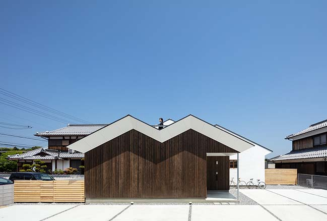 House in Sugie by Horibe Associates